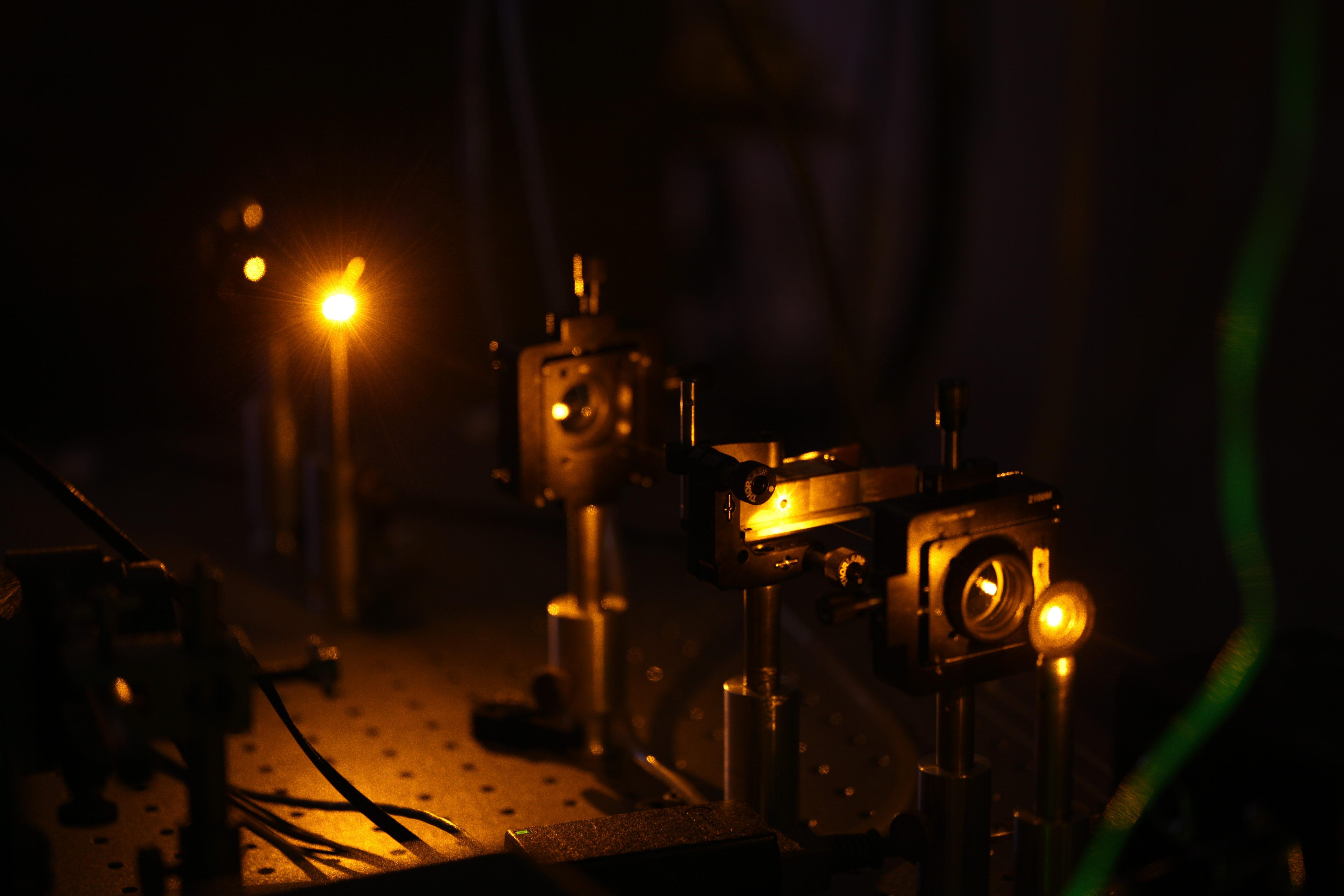 Układ z modulatorem akustooptycznym